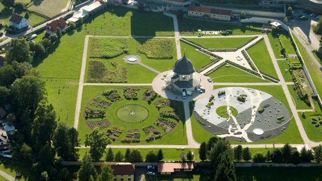 Der Garten im Benedektinerstift St. Lambrecht